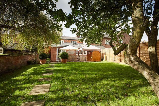 Thumbnail Cottage for sale in Wantage Road, Hungerford