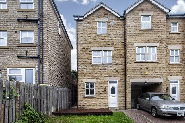 Picture No. 13 of Oakwood Mews, Soothill, Batley, West Yorkshire WF17