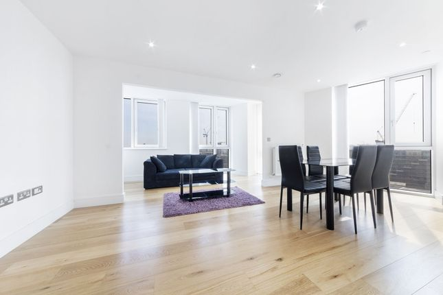 2 bed flat to rent in Sky View Tower, 12 High Street, Stratford, London E15