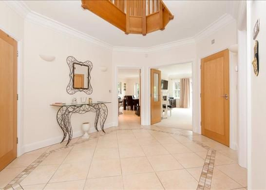Picture No. 12 of Palace Road, East Molesey, Surrey KT8