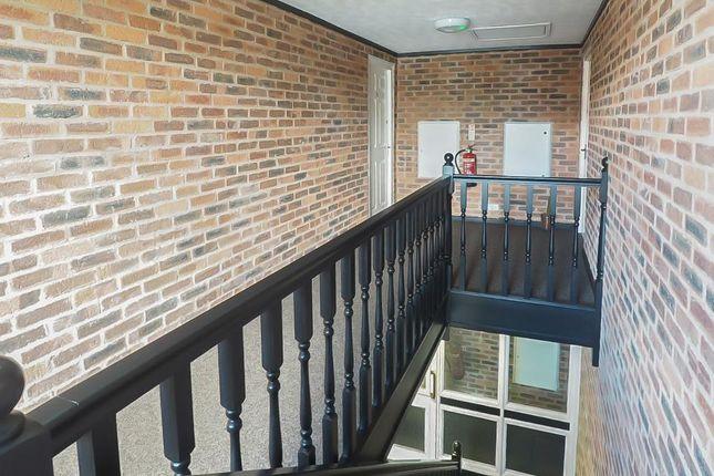 Communal Hallway of Kingston Street, Marina, Hull, East Riding Of Yorkshire HU1