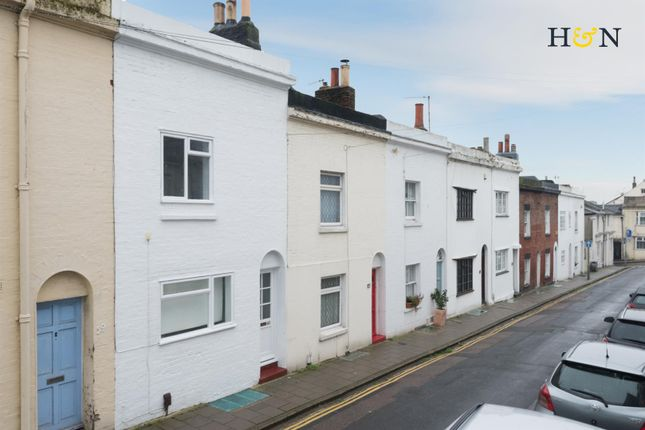 Thumbnail Property for sale in Guildford Street, Brighton
