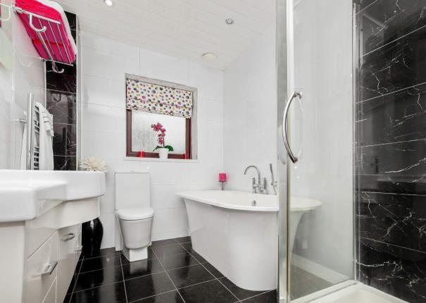 Bathroom of Herbertson Grove, Blantyre, Glasgow, South Lanarkshire G72