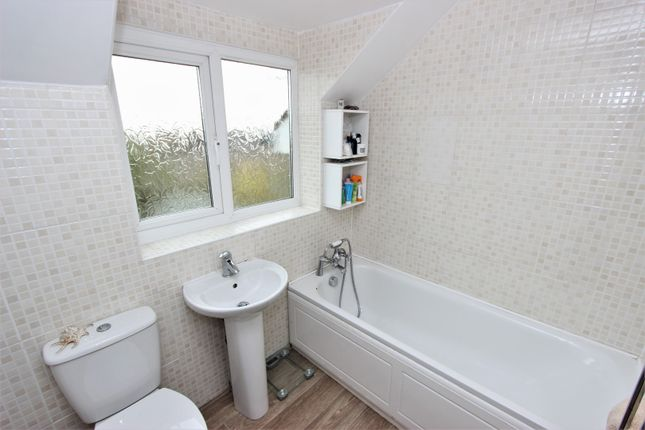Bathroom of Firle Crescent, Lewes BN7