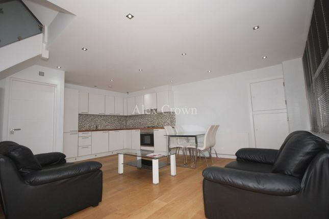 Thumbnail Mews house to rent in Weymouth Terrace, London