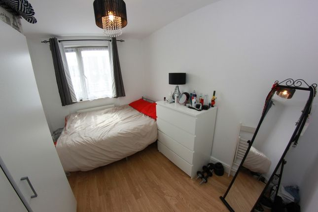 Thumbnail Shared accommodation to rent in Grove Road, London