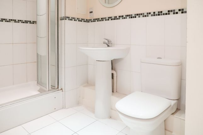 Thumbnail Flat to rent in Bromley By Bow, London