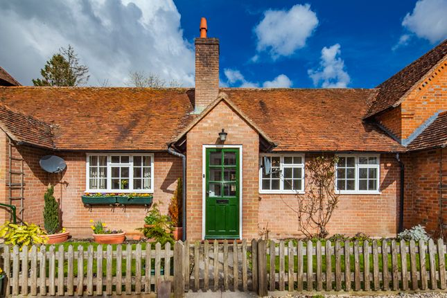 Thumbnail Property to rent in 2 Manor Farm Cottages, Yattendon