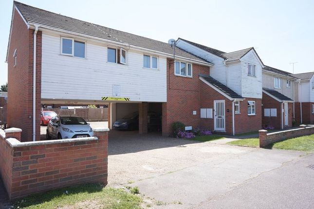 Thumbnail Flat for sale in Sutton Court Drive, Rochford
