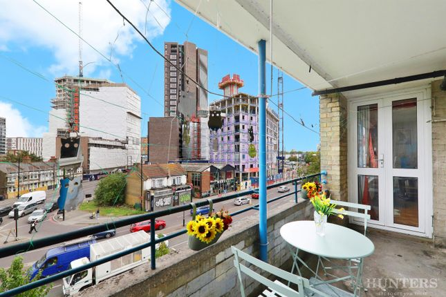 2 bed flat for sale in High Cross Road, London N17