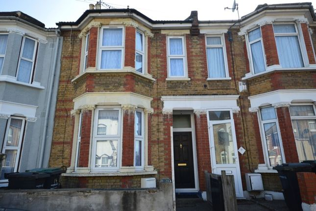 3 bed terraced house to rent in Norfolk Road, Gravesend DA12