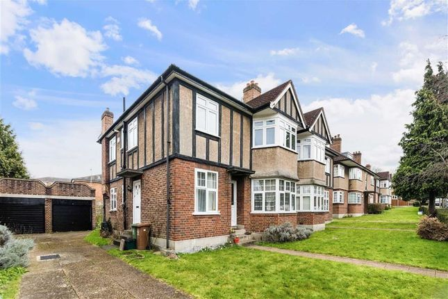 Thumbnail Maisonette for sale in Grove Avenue, Sutton