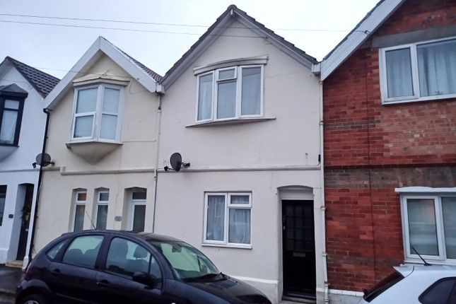 3 bed detached house to rent in Ferndale Road, Weymouth, Dorset DT4