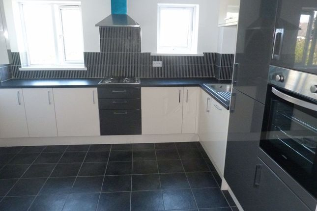 Thumbnail Flat to rent in Richmond Rd, Roath, ( 4 Beds )