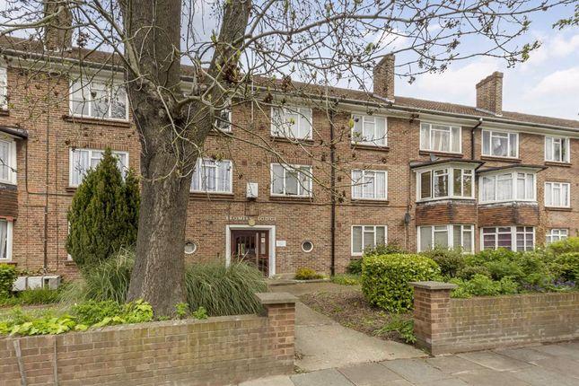 3 bed flat for sale in Lynton Road, London W3