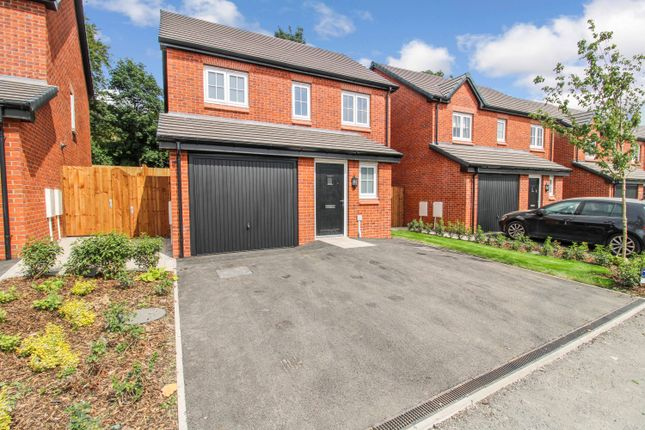 3 bed detached house to rent in Dearnley Avenue, Stubley Meadows, Littleborough OL15