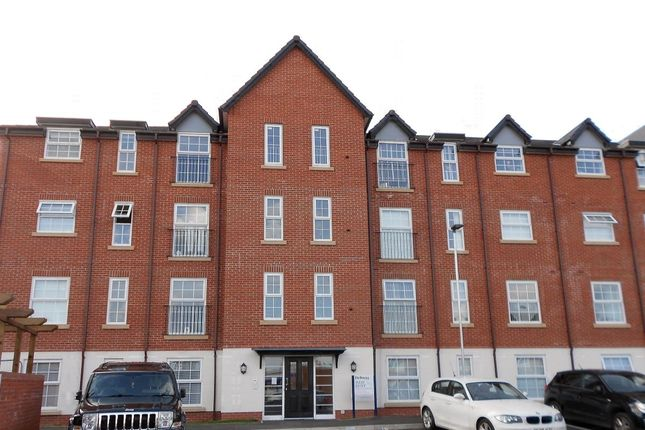 Thumbnail Flat to rent in Watery Road, Wrexham
