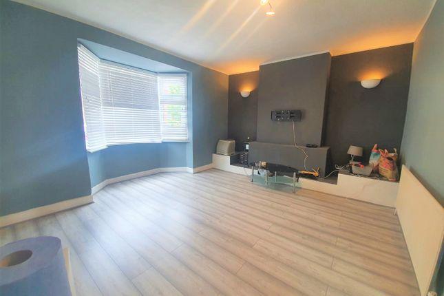 Thumbnail Flat to rent in Green Lane, Dagenham