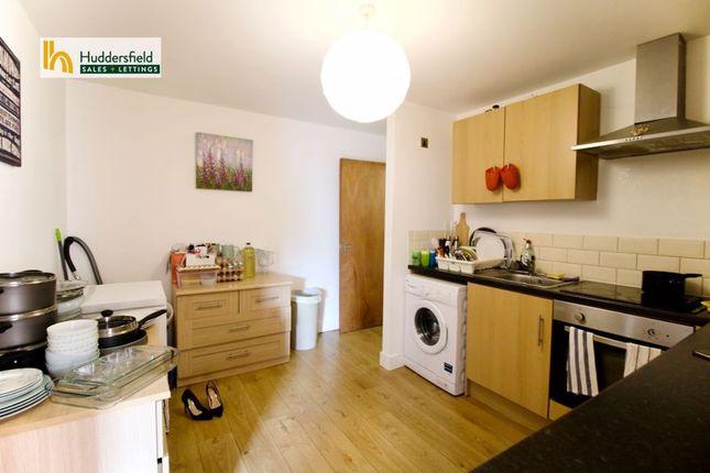 Kitchen1 of Bay Hall Common Road, Birkby, Huddersfield HD1