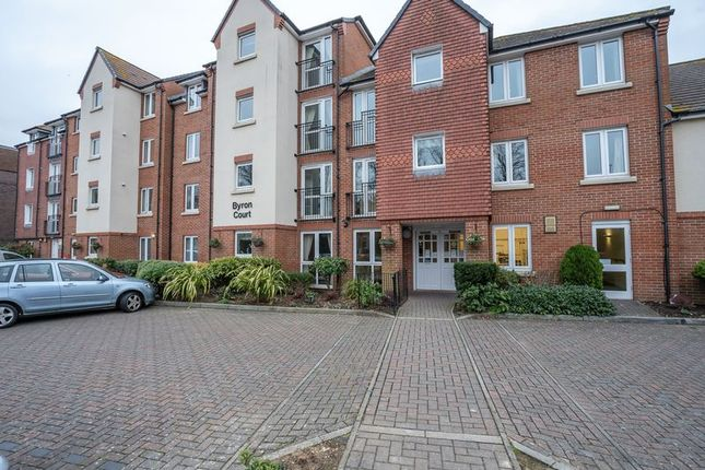 Thumbnail Flat for sale in Byron Court, Stockbridge Road, Chichester