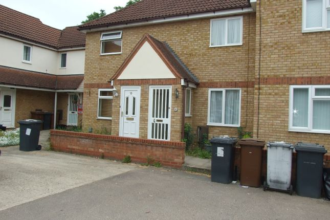 Thumbnail Town house to rent in Martin Way, Letchworth Garden City