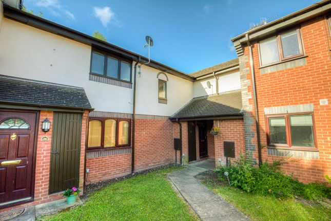 Thumbnail Flat for sale in Chepstow Close, Stratford Upon Avon