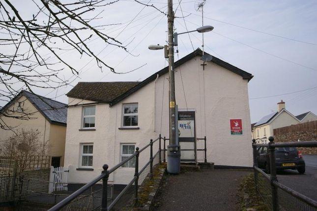 Flat to rent in High Street, Halberton, Tiverton, Devon