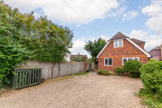 Thumbnail Detached house to rent in Howard Crescent, Seer Green, Beaconsfield