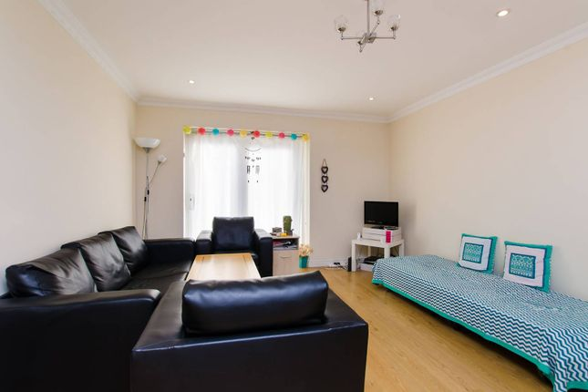 Thumbnail 2 bed flat to rent in Lavender Road, Clapham Junction, London