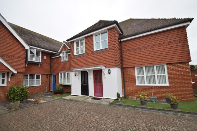 2 bed mews house to rent in Grassington Road, Eastbourne BN20