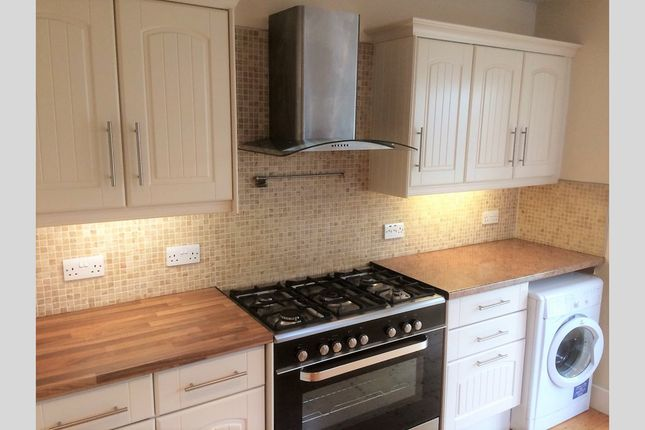 Thumbnail Bungalow to rent in Sherwood Avenue, Parkstone, Poole