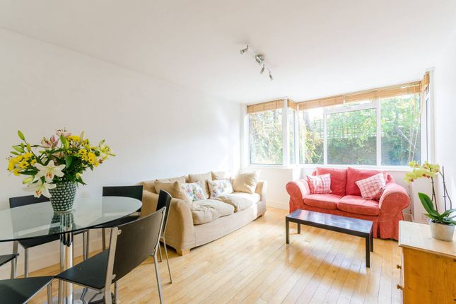 Thumbnail Property to rent in Meadow Road, Stockwell