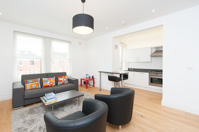 2 bed flat to rent in Canfield Gardens, West Hampstead
