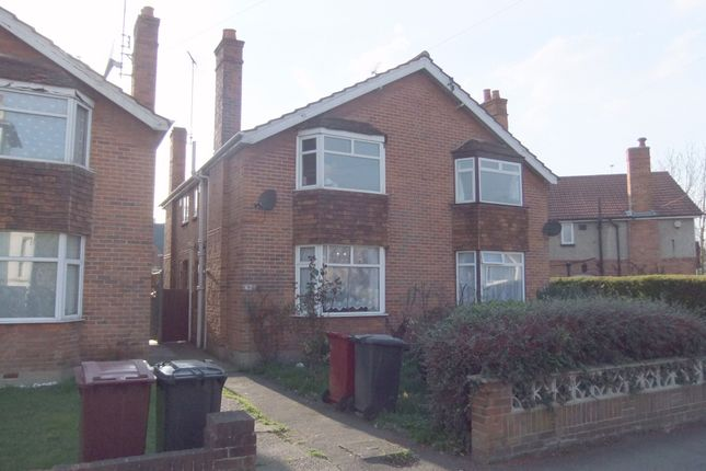 Thumbnail Semi-detached house to rent in Eastern Avenue, Reading