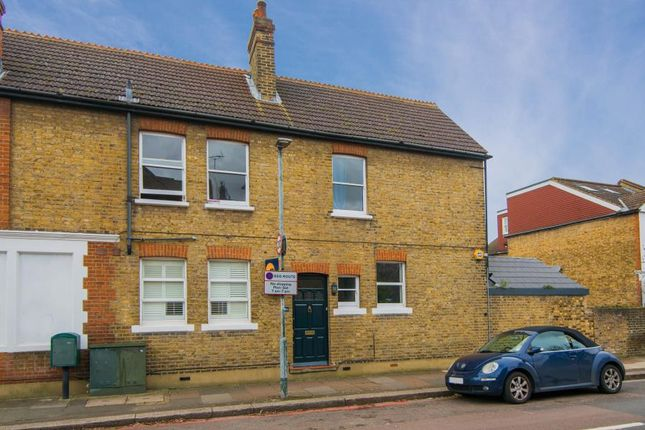 Thumbnail Flat for sale in Upper Richmond Road West, East Sheen