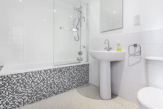 Bathroom of The Croft, Aston Tirrold OX11