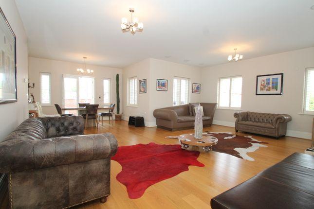 Thumbnail Flat to rent in Newton Park Place, Chislehurst