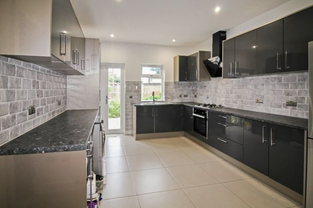 Thumbnail Terraced house to rent in Green Lane, Ilford