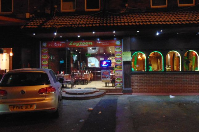 Thumbnail Restaurant/cafe for sale in Upper Brook Street, Victoria