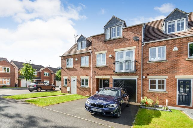 4 bed town house for sale in Little Holland Gardens, Nuthall, Nottingham