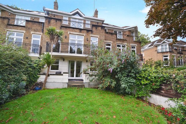 Thumbnail Terraced house to rent in Willoughby Road, Twickenham