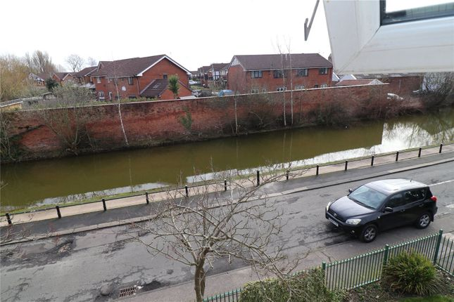 Picture 10 of Worsley Road, Eccles, Manchester, Greater Manchester M30
