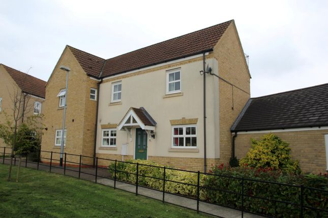 2 bed semi-detached house to rent in The Glades, Huntingdon