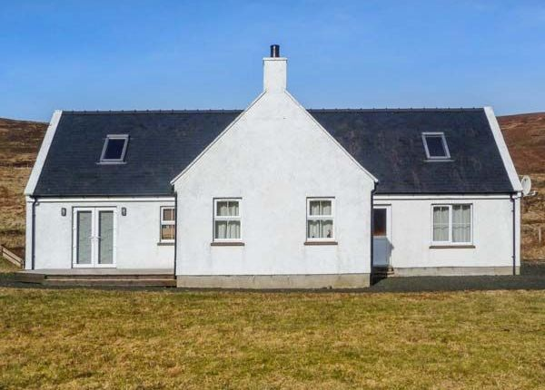 Thumbnail Detached house for sale in 1 Glen Uachdarach, Glenhinnisdal, By Portree