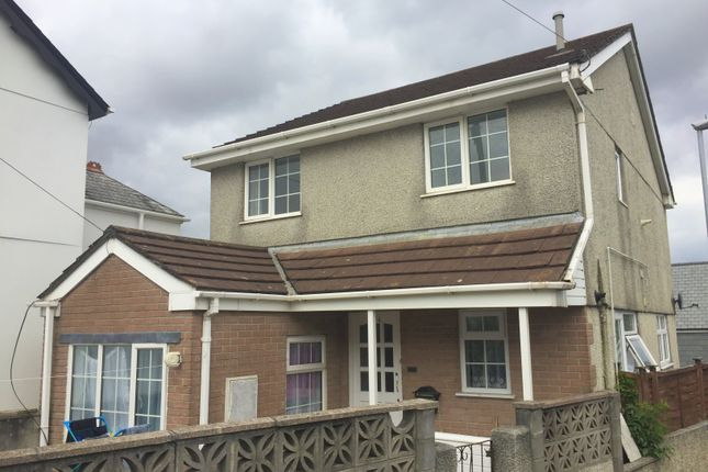 Thumbnail Flat to rent in 174 Callington Road, Saltash, Cornwall