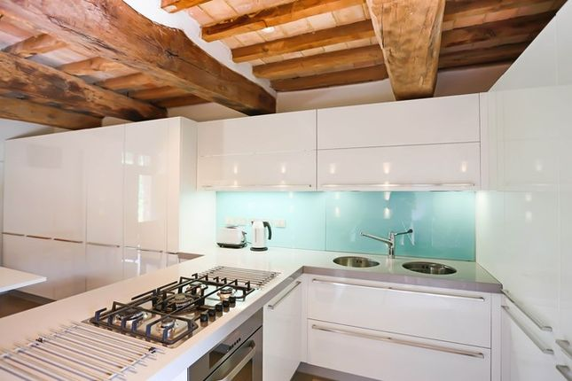 Poderetto Gubbio Kitchen