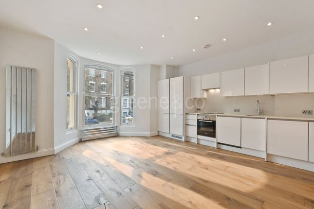 Thumbnail Flat for sale in Tufnell Park Road, Tufnell Park, London