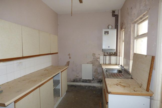 Kitchen of Thompson Street, St. Helens WA10