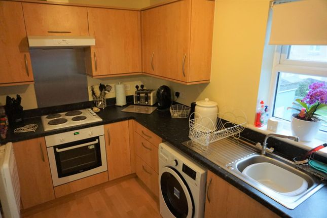 Kitchen of Junction Gardens, Plymouth PL4