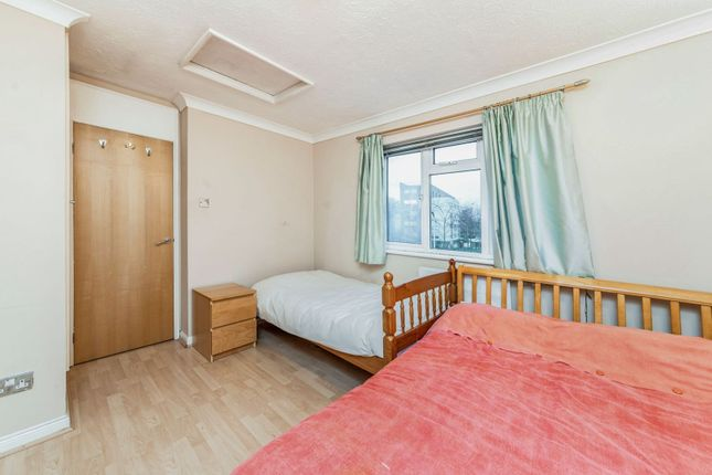 Bedroom of Ratcliffe Close, Uxbridge UB8
